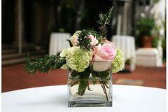diy wedding flowers - simmple