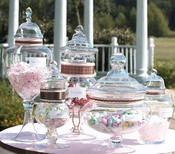 Wedding Candy Favor Boxes on Ideas For Cheap Wedding Centerpieces   Big Wedding Tiny Budget