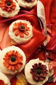 cupcake wedding cakes gerber daisies