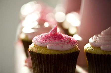 cupcakes wedding cakes pink icing
